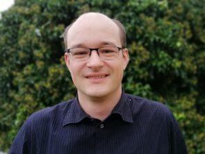 Dr. Peter Keller